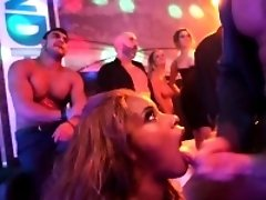 Ebony hos party cum spray